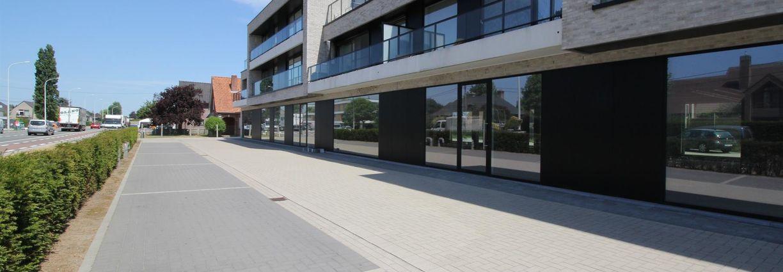 Commercial groundfloor for sale in Waarschoot