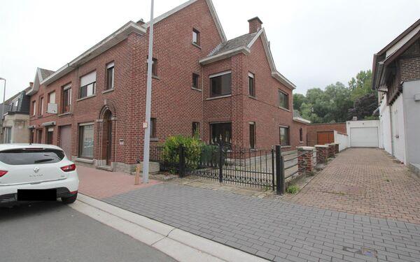 House for sale in Oosterzele