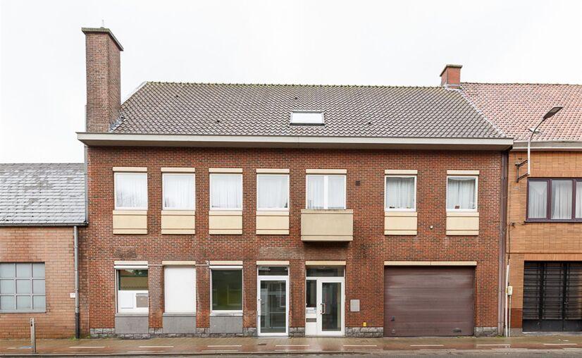 Offices for sale in Waarschoot