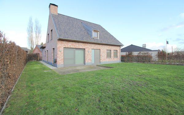 Villa for sale in Ruiselede